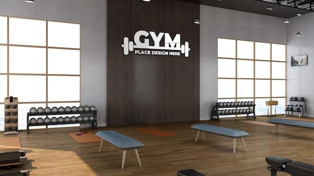 Sala de ginástica 3d render com maquete realista de logotipo esportivo de parede de madeira
