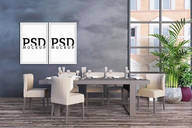 Sala de jantar com grandes janelas e molduras