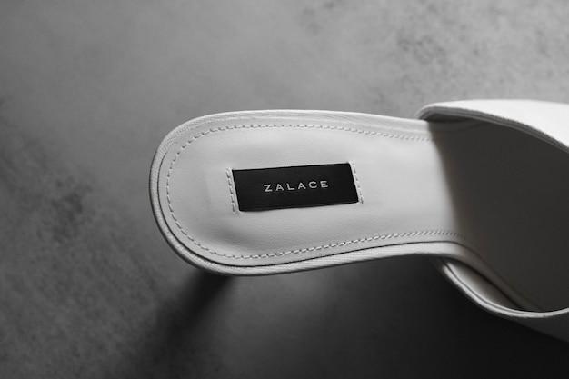 Sapato de salto alto de maquete de logotipo