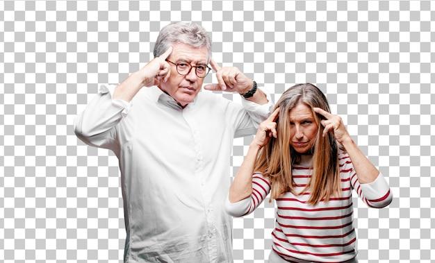 Senior legal marido e mulher com um olhar confuso e pensativo