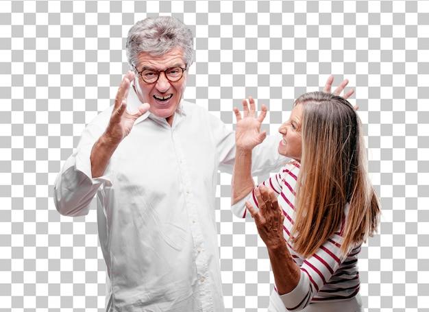 Senior legal marido e mulher olhando com raiva, infeliz e frustrado