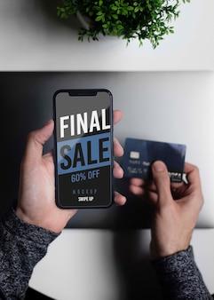 Sessão online de compras no telefone