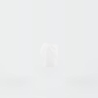 Silhueta branca de shorts