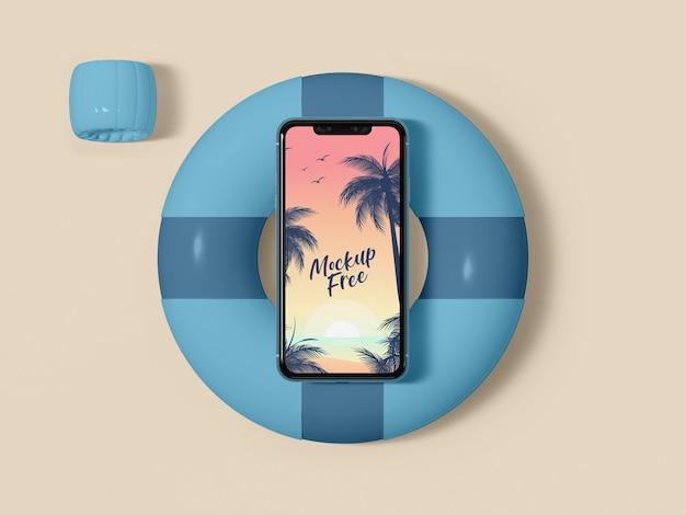 Smartphone de vista superior na tábua de salvação