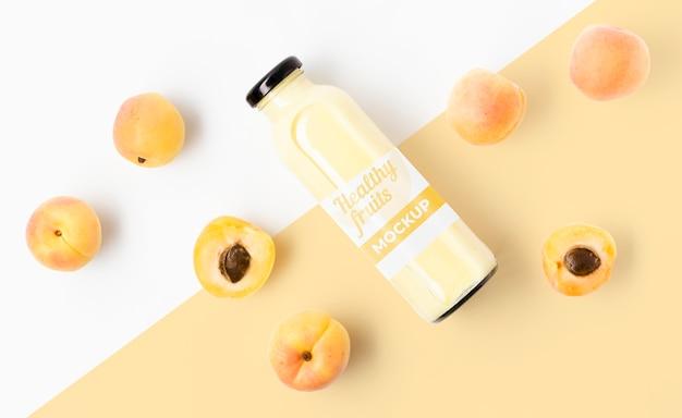 Smoothie de suco com pêssegos