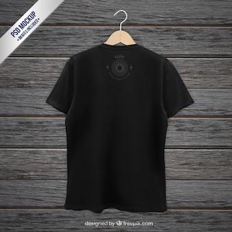 T-shirt preto maquete de volta