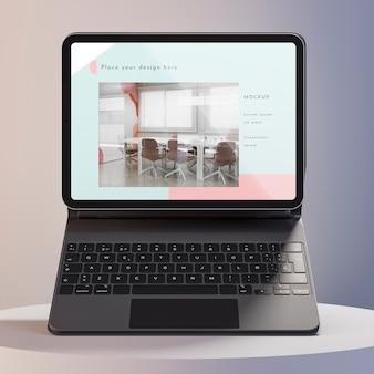 Tablet moderno com composição acoplada ao teclado