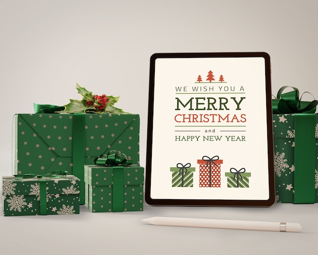 Tablet moderno de mock-up com tema de natal
