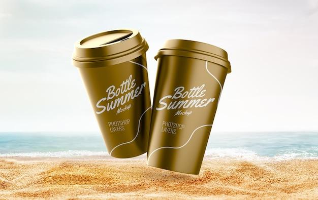 Taça na maquete de verão na praia