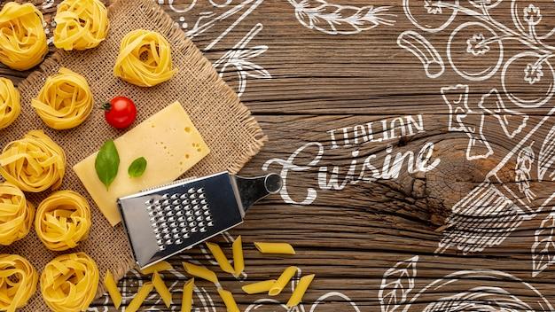 Tagliatelle crua plana leigos e queijo na mão desenhada fundo