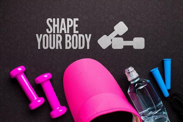 Tampa de fitness e equipamento com garrafa de água