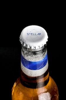 Tampa de garrafa de cerveja mock up projeto