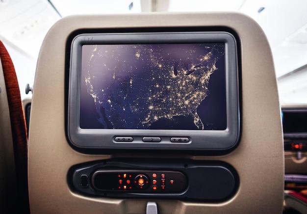 Tela visual de entretenimento em um avião