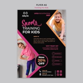 Tema de panfleto de treinamento para crianças