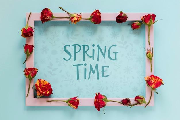 Tempo de primavera com moldura floral