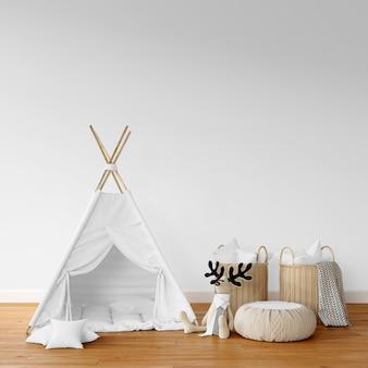 Tenda branca e cestas