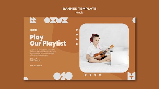 Toque nossa lista de reprodução, garoto tocando banner de ukulele