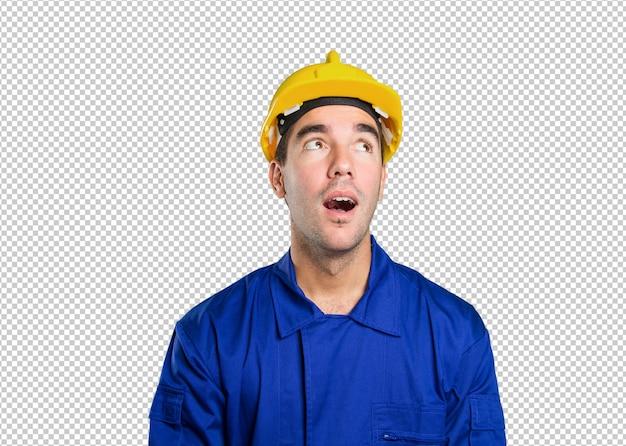 Trabalhador confiante, olhando no fundo branco