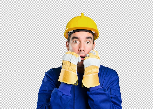 Trabalhador nervoso no fundo branco