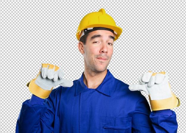 Trabalhador orgulhoso no fundo branco