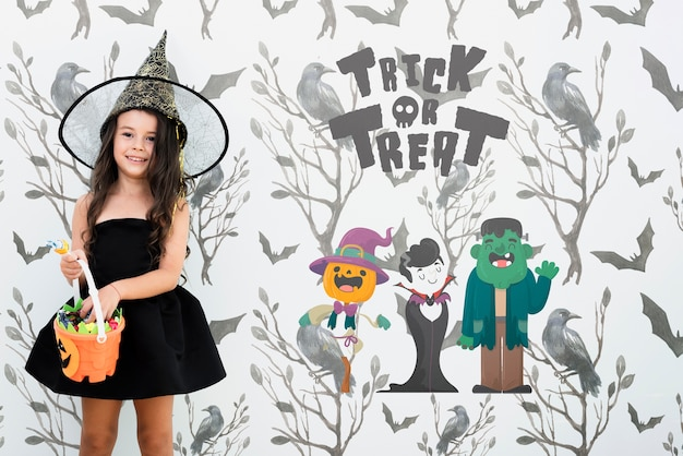 Travessuras ou gostosuras personagens de halloween e garota vestida de bruxa