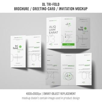 Três brochuras com três dobras ou modelos de convite