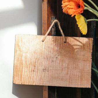 Uma tábua de madeira