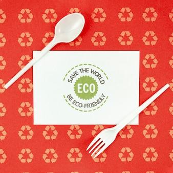 Utensílios de mesa ecológicos de vista superior