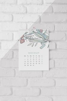 Variedade de calendário de mock-up minimalista