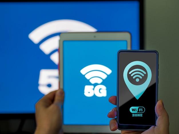 Variedade de dispositivos móveis com conexão wi-fi 5g