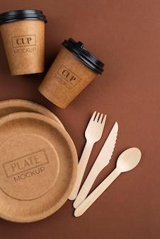 Variedade de elementos descartáveis de cafeteria