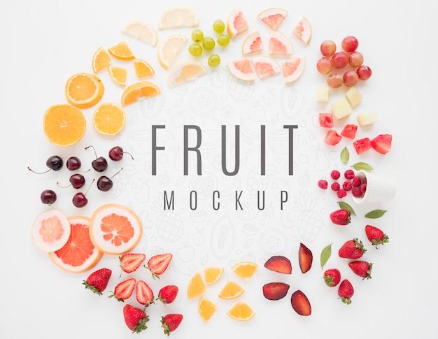 Variedade de frutas orgânicas com modelo de vista superior