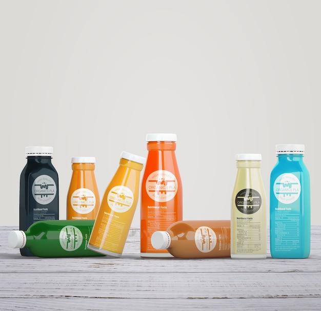 Variedade de garrafas coloridas de suco de frutas orgânicas