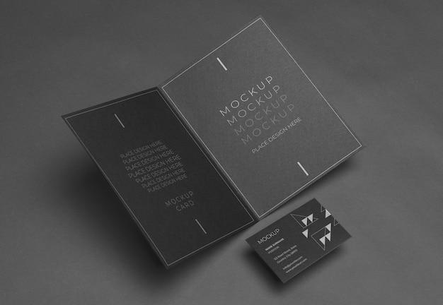 Variedade de mock-up de artigos de papelaria corporativos de alto ângulo