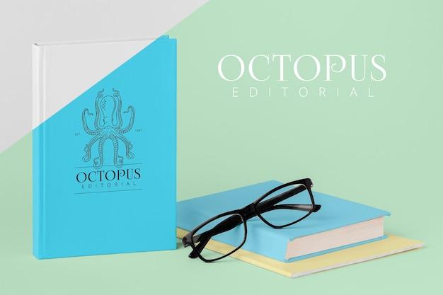 Variedade de mock-up de capa de livro com óculos