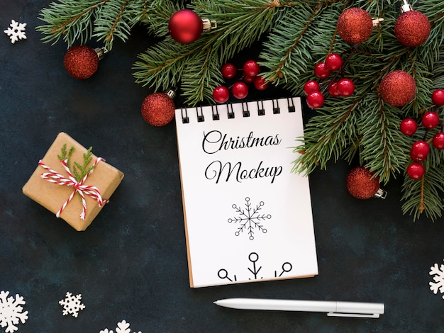 Variedade de mock-up de elementos de véspera de natal