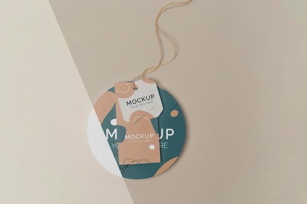 Variedade de mock-up de tag de produto plano