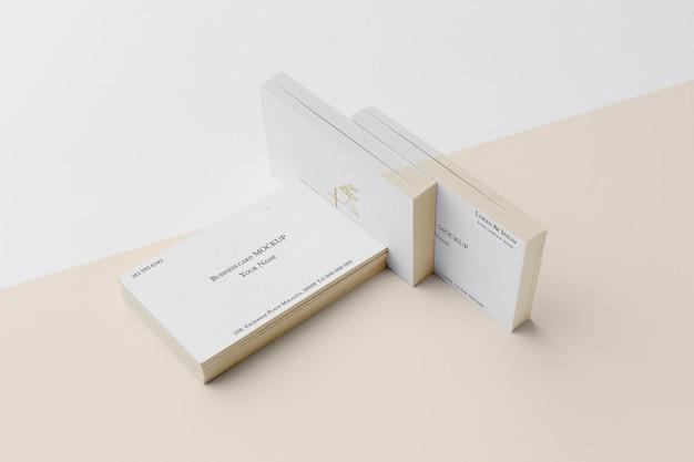 Variedade de modelos de cartão de visita de alto ângulo