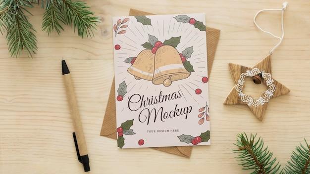 Variedade de véspera de natal com maquete de cartão