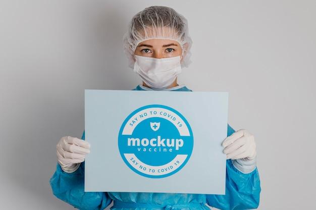 Vestuário médico e maquete de cartão