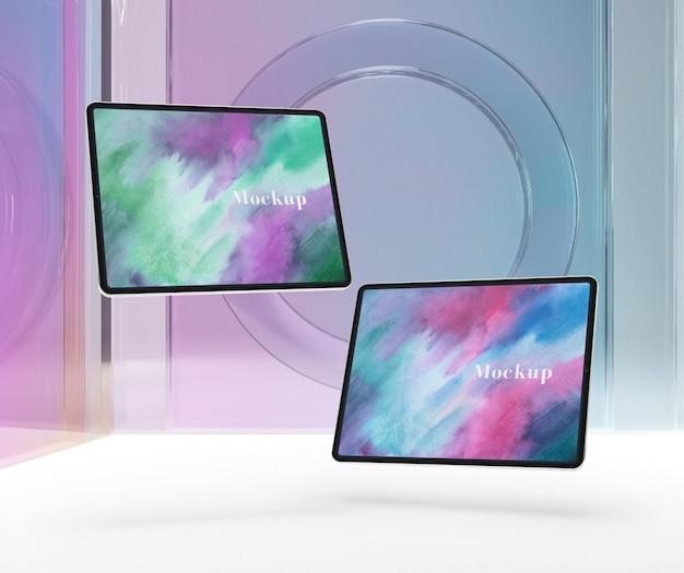Vidro transparente com coleção de dispositivos tablet