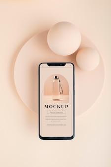 Vista acima do smartphone e maquete da placa