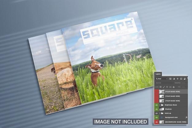 Vista alta de maquete de três revistas quadradas fechadas