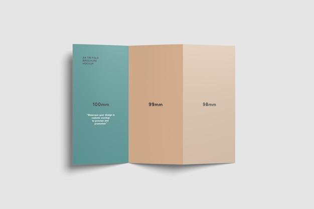 Vista de ângulo superior de maquete com três dobras a4 brochura