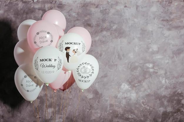 Vista frontal da maquete de balões de casamento