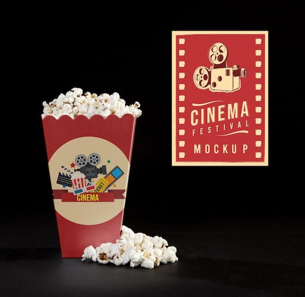 Vista frontal da pipoca de cinema