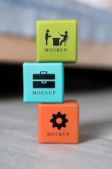 Vista frontal da seleção de cubos de negócios