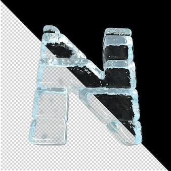 Vista inferior de cartas feitas de lingotes de gelo. 3d letra n