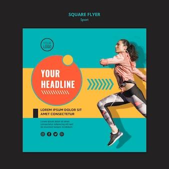 Vista lateral ajustada mulher correndo modelo de folheto quadrado