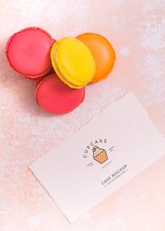Vista superior arranjo delicioso macarons
